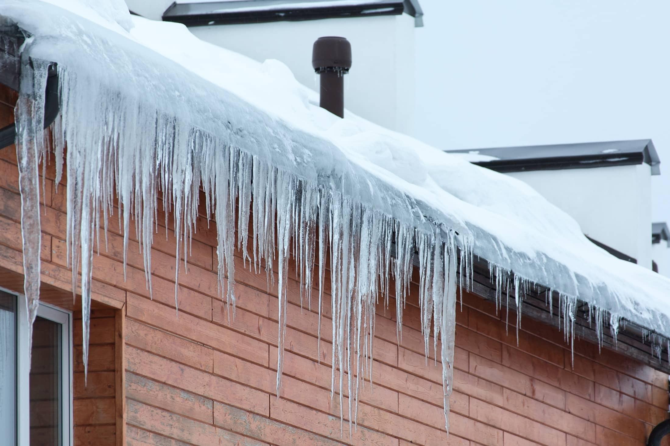 c est l hiver et mon toit coule que puis je faire toiture union. Black Bedroom Furniture Sets. Home Design Ideas